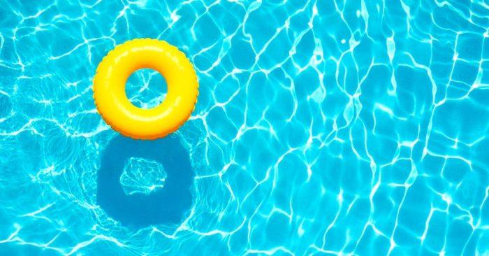 prepara tu piscina para el verano con tiempo