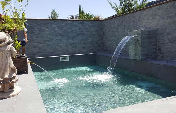 Construcci n de piscinas de lujo en madrid tienda de for Construccion piscinas madrid